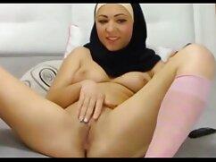 Pornó videó Szőke Nő Érett pózol erotikus fehérnemű, simogatni a testem, meg a puncija a nadrág a cső. Kategória Érett, magyarsex Vörös.